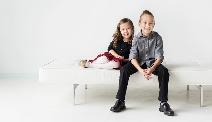 studio-portraits-brother-sister-rs